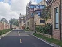 出售中宝格林双拼别墅,330平,890万,毛坯,大院子