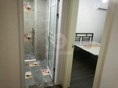 东景瑞 3房2厅1卫 精装修 家电齐全 拎包入住 3000一月