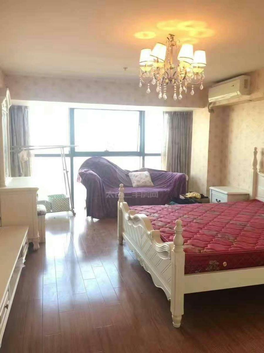 东盛广场 2房2厅2卫 南向 精装修 拎包入住 采光位置极好2300一月