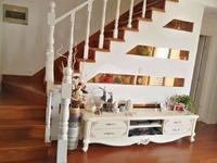 太和丽都153 60,一楼带院子,豪华精装修复式,3房2卫,售价360万带车