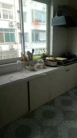 康乐新村89平3楼 122万 3室1厅1卫房东自住保养很好有钥匙