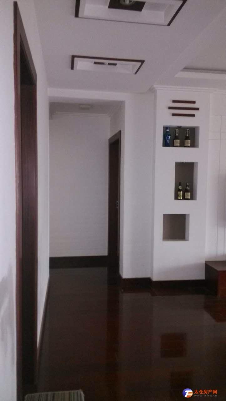 市中心黄金地段景观房便宜急租,三房两卫、家电齐全、拎包入住,看房方便