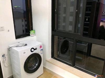出租大潤發邊上精裝一室 水電民用 精裝拎包入住 電梯房