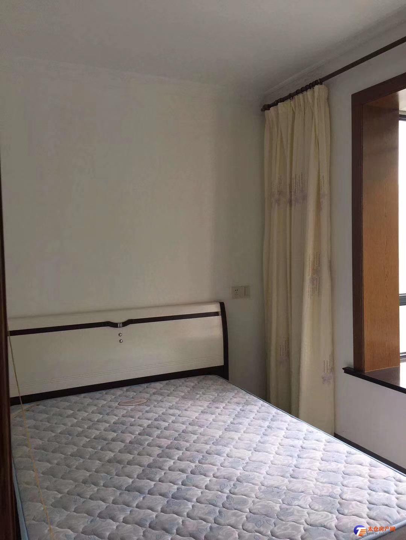 出租 骏园时代公寓 1室1厅1卫精装修 家电齐全 1400包物业