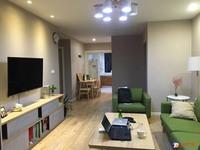 出租万达广场2室2厅1卫99平米3600元/月精装两房,南北通透,看房方便