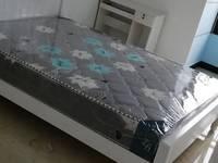 出租高尔夫鑫城4室1厅1卫18平米750元/月住宅