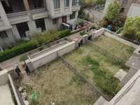 万达旁 白菜价联排别墅 使用面积大 带双地下车位 大院子 满两年 真实有效房源