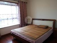 015 租客到期 急租宝龙公寓一室精装1300月 看方便拎包入住