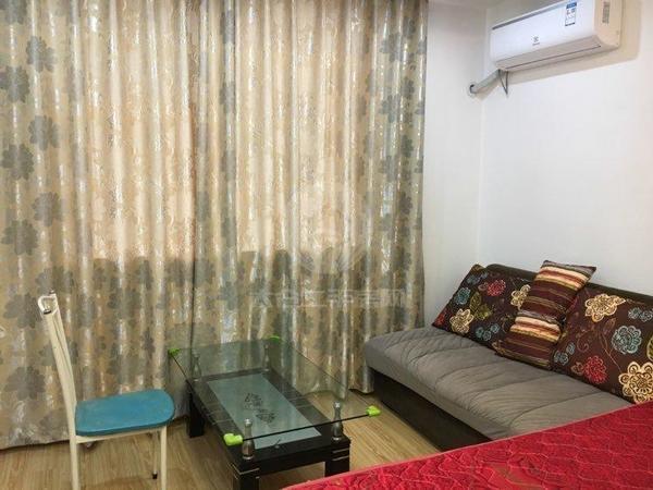 28 整租 通达公寓一室一厅精装 1300月包物业