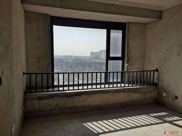 出售 盛世一平,豪华大平层,四房朝南 超级大阳台