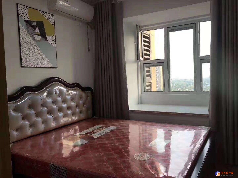 出租景瑞荣御蓝湾大三房 装修几十万 全部品牌家具 另有多套出租