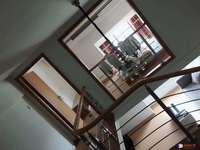 出租:中央帝景 公寓 精装一室 1800月