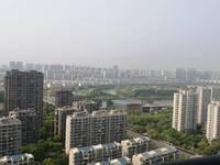 上海公馆260平,中间楼层,满2年,带一个38平车位,500万。户型方正