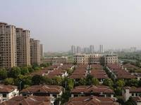 上海公馆最前排,次顶楼。240平,500万,风景无限好。满2年,有钥匙
